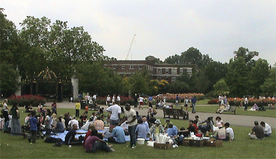 Hari Christians in Regents Park